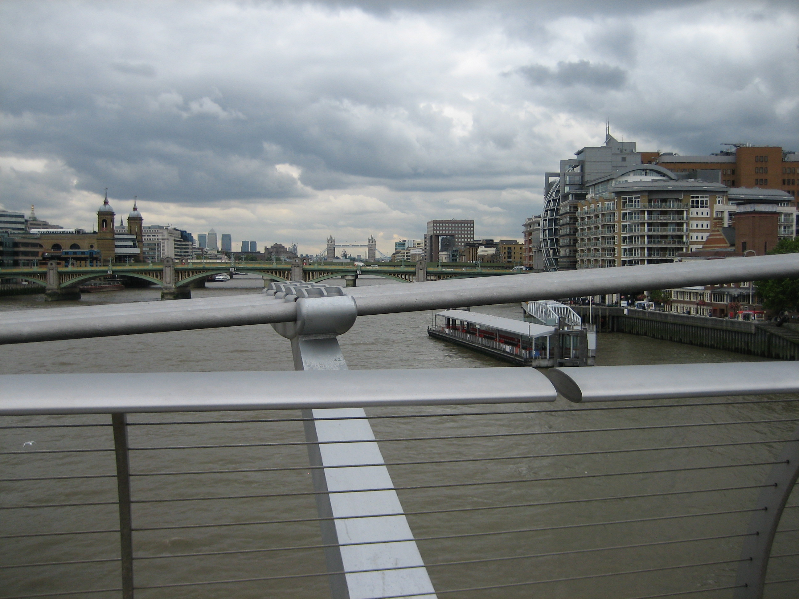 tate_and_thames